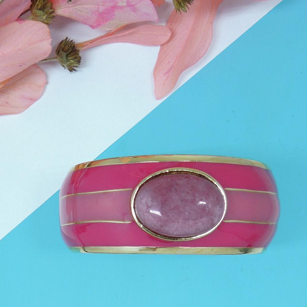 Bracelete com listras pintado a mão, nas cores laranja, coral, turquesa e pink com aplicação de pedra natural, Família Rainbow