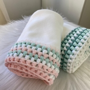 Manta Pipoquinha  tricolor - ( Rosa e verde /Verde e branco )