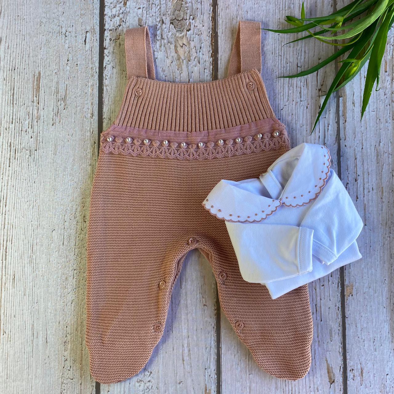 Conjunto Jardineira + Body bordado Douceur