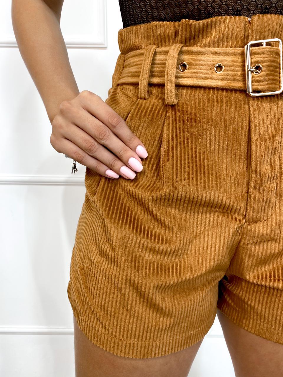 Shorts Cotelê com Cinto