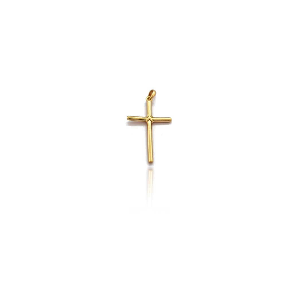 Pingente Crucifixo Pequeno Liso com Aramado na Cruz em Semijoia - 8030470A