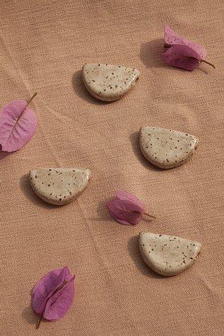 Difusor Pessoal - Meia Lua Areia - TERÊ cerâmica  - SALVIA