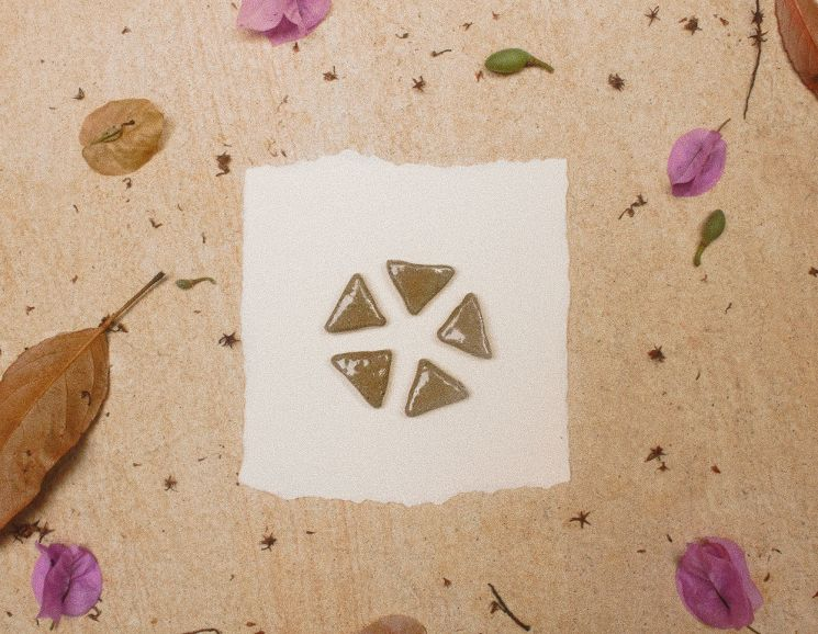 Difusor Pessoal - Triângulo - TERÊ cerâmica  - SALVIA