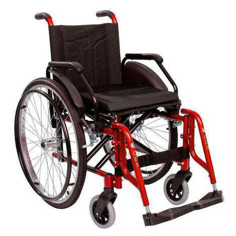 Cadeira de Rodas Alumínio Modelo Confort  com Apoio de pés removíveis