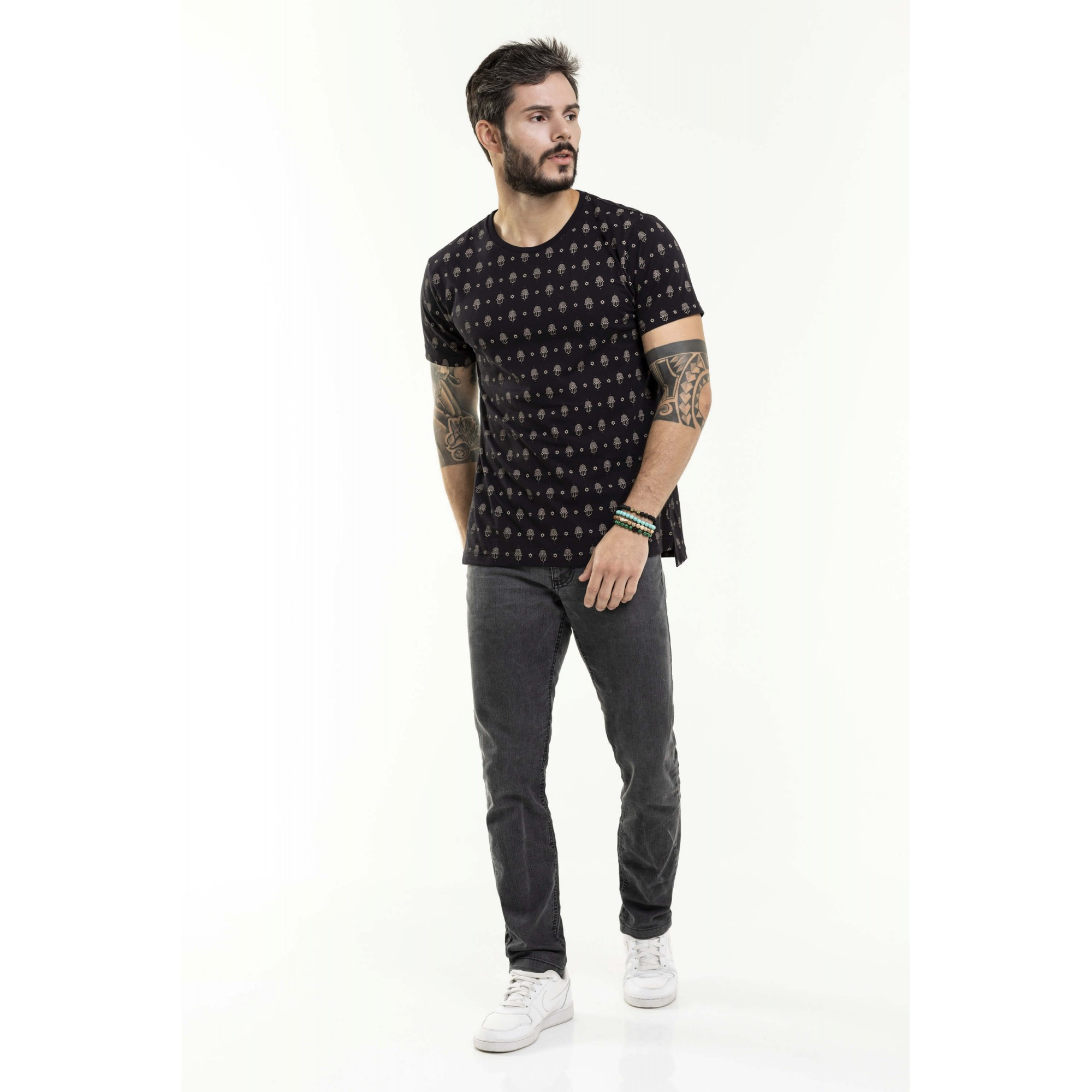 Camiseta Nogah Hamsa Oversized Preta
