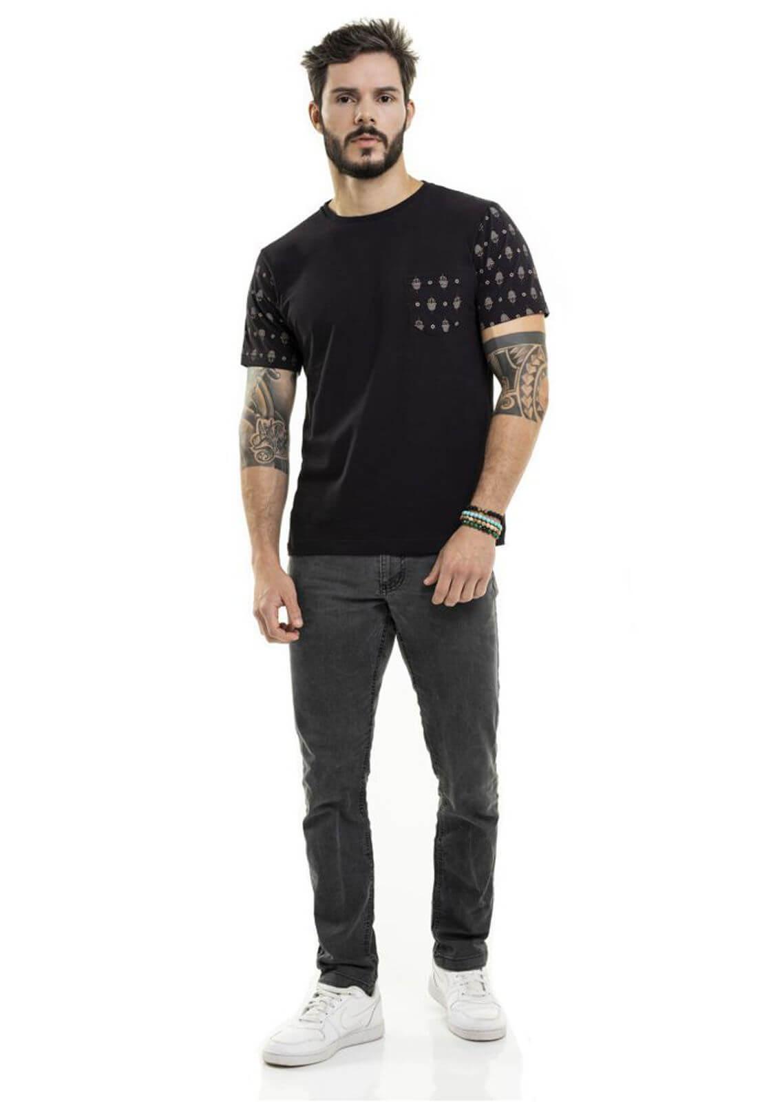 Camiseta Pocket Hamsa Preto