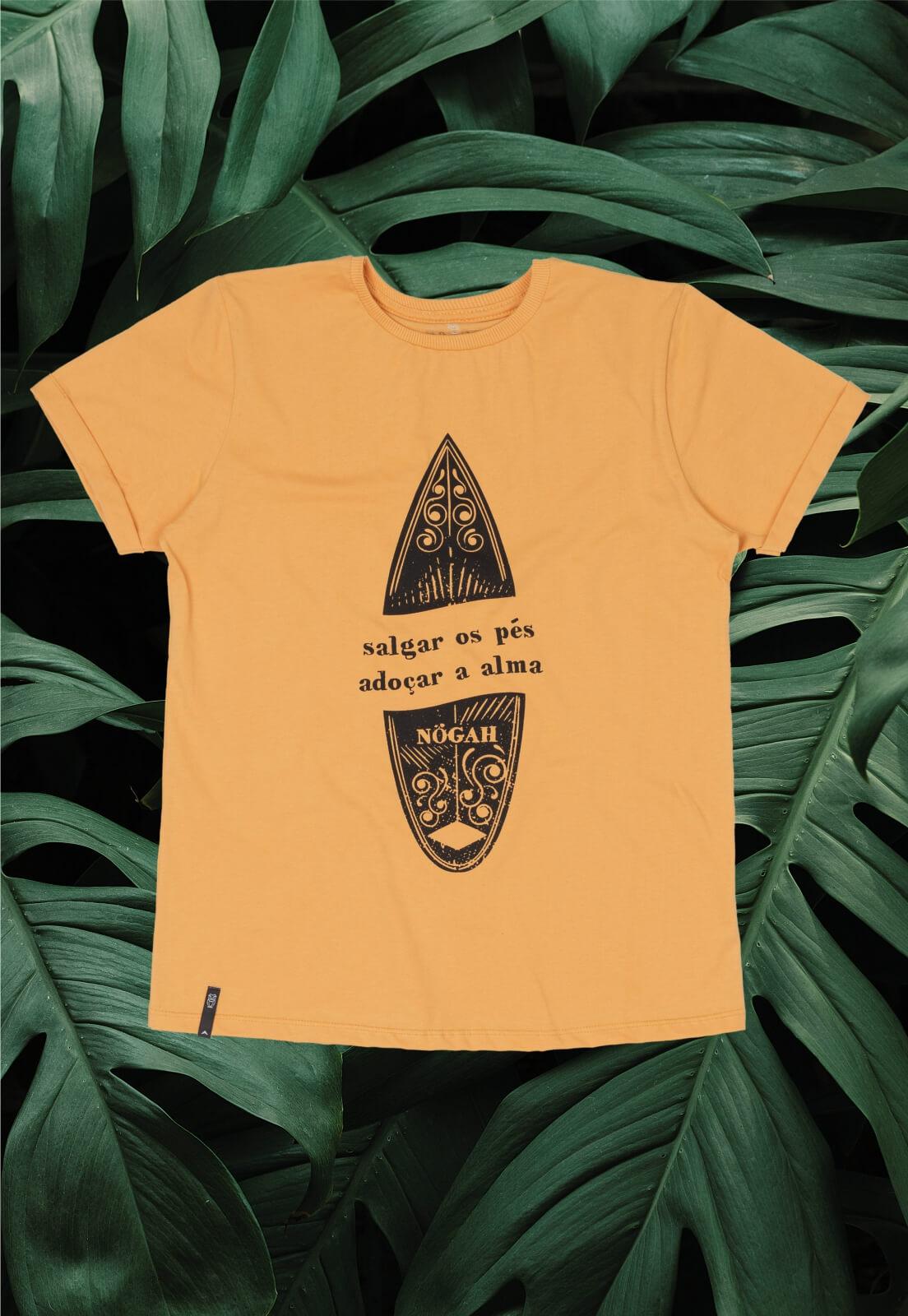 T-shirt Nogah Salgar os Pés