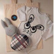 Kit para bebê body coelho e chocalho coelho