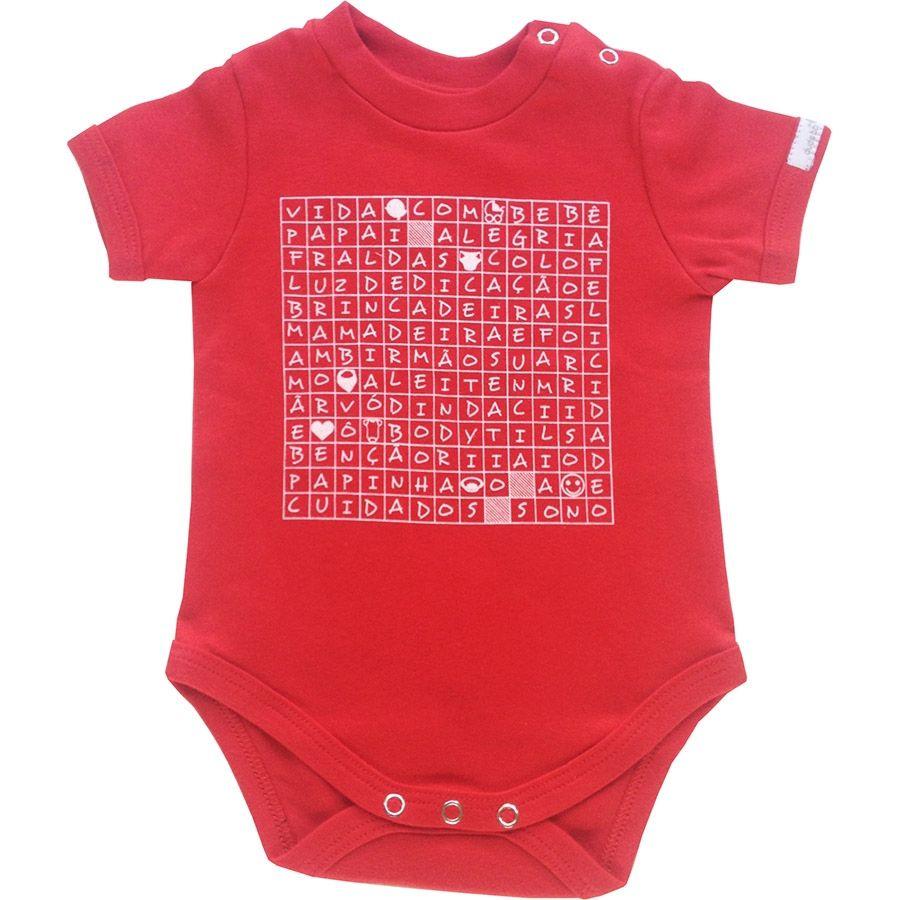Body bebê unissex caça palavra bebê manga curta suedine vermelho