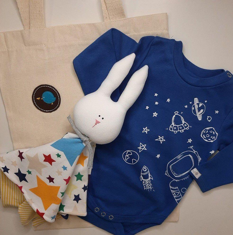 Kit para bebê body astronauta e naninha estrelas