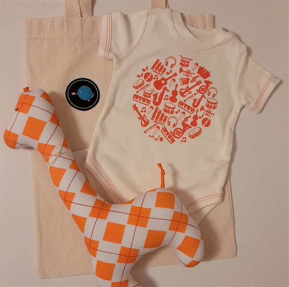 Kit para bebê body instrumentos e girafa fofinha