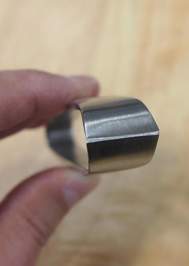 Pinça para Remover Espinha de Peixe TOJIRO PRO  F-642 / Japan