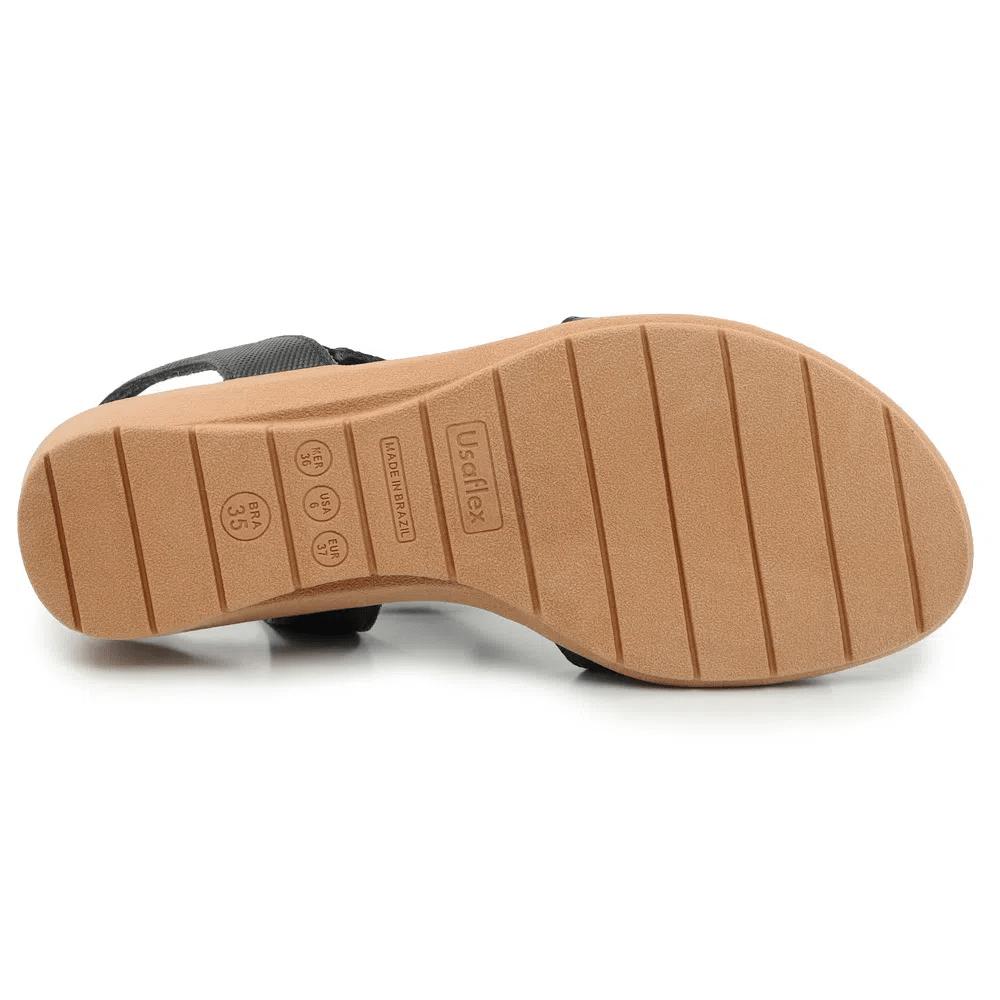 Sandália Usaflex preta salto anabela