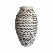 Vaso em Cerâmica Trabalhada Cinza e Branco
