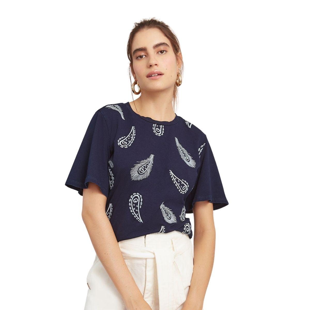 Camiseta Maria Valentina Bordado Industrial