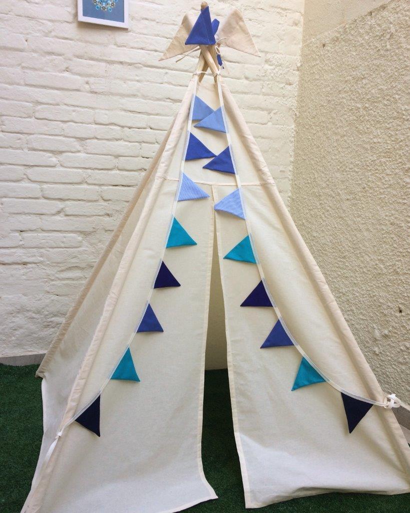 Cabana Bandeirinhas Azul