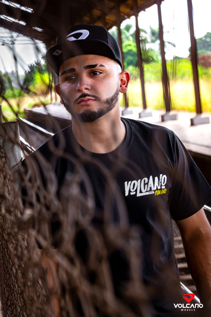 Camiseta Volcano Fun Day Preta