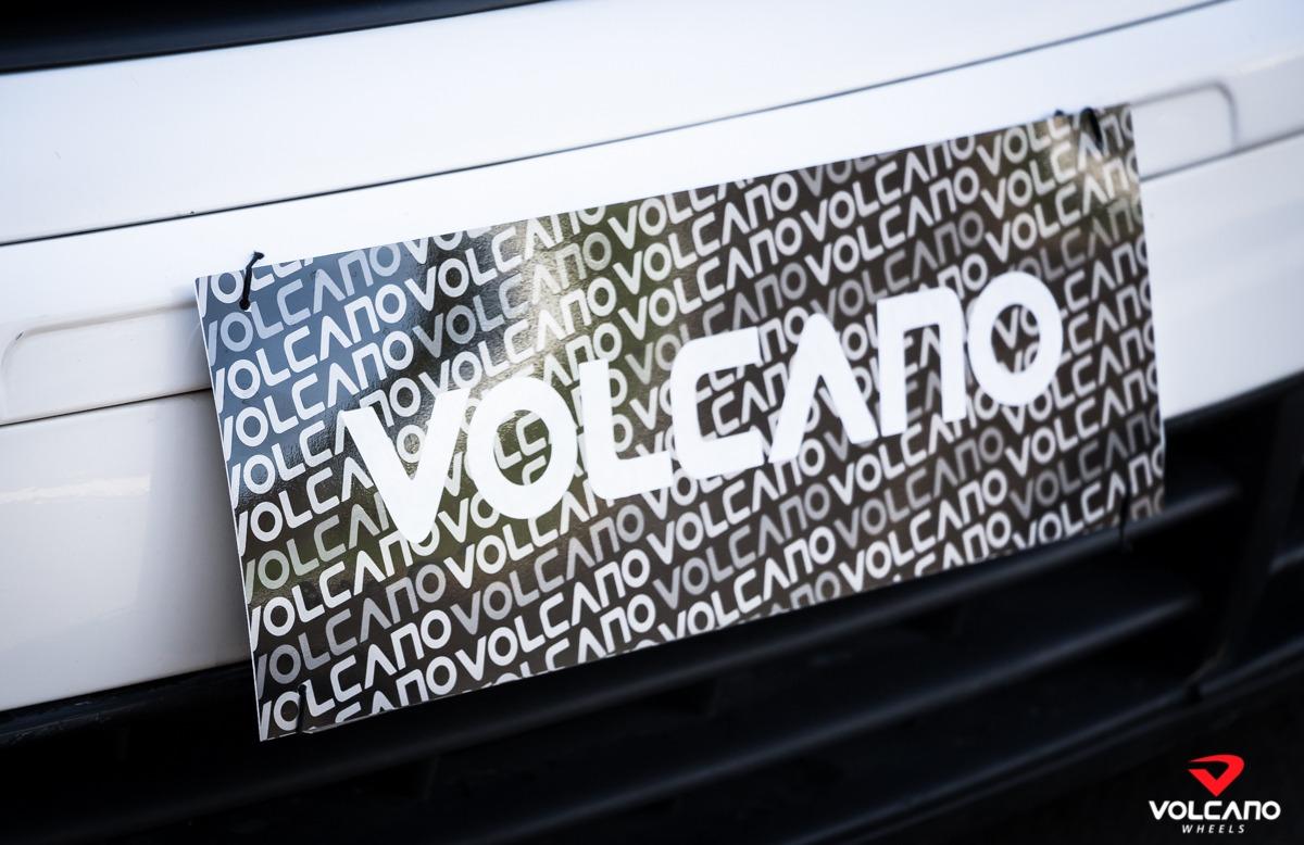 Tampa Placa Volcano carros exposição 40cm x 14cm