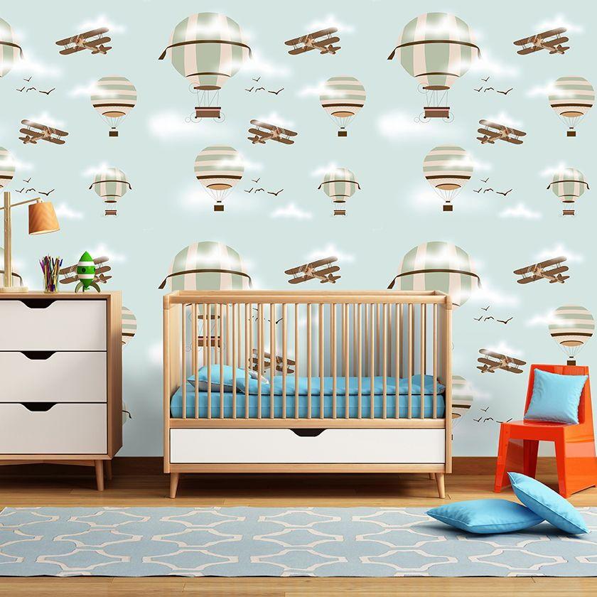 Papel de parede infantil balões e aviões