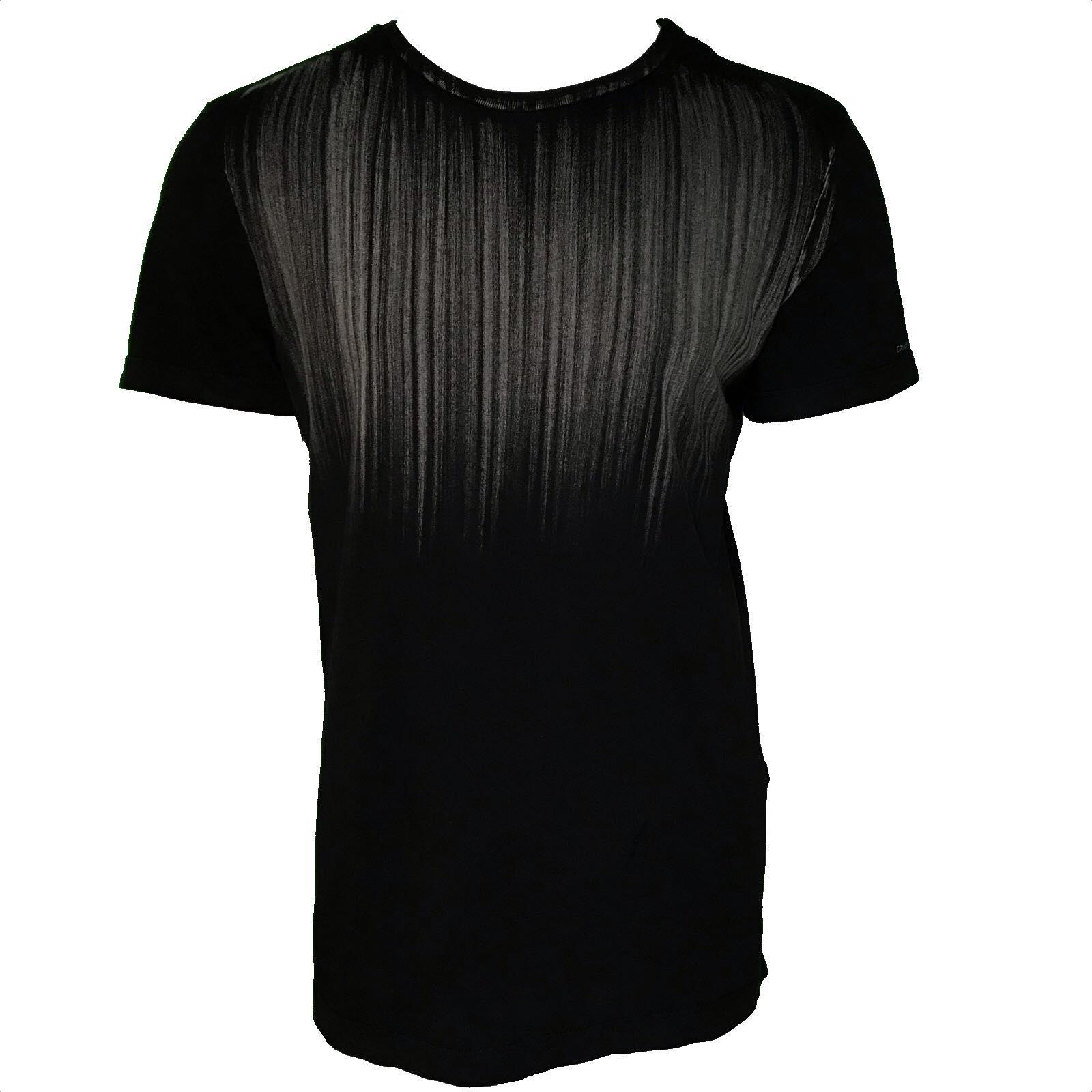 Camiseta Calvin Klein estampada