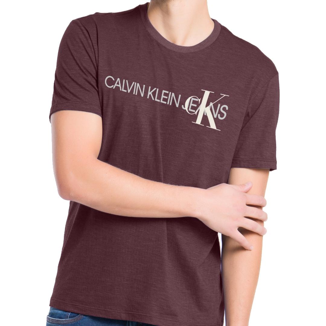 Camiseta Calvin Klein Jeans Institucional Manga Curta