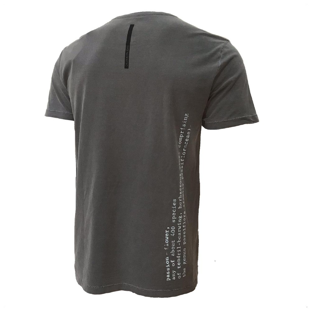 Camiseta CKJ com estampa floral
