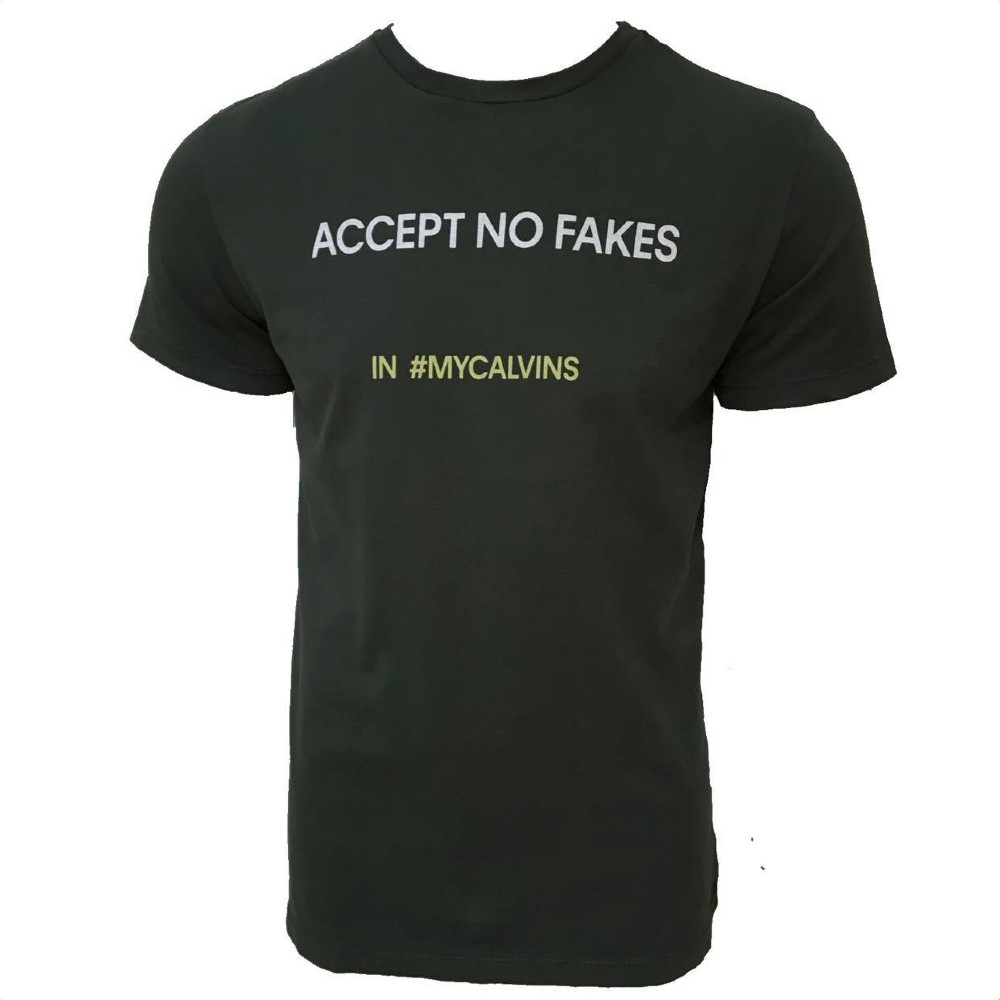 Camiseta CKJ MC estampa ACCEPT NO FAKES
