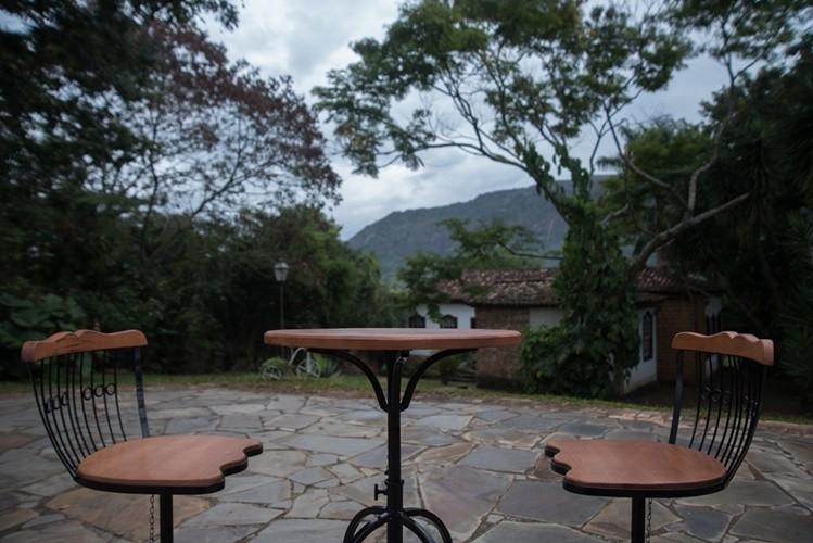 Conjunto de mesa bistrô 50cm com 2 cadeiras ferro em madeira rústica artesanal