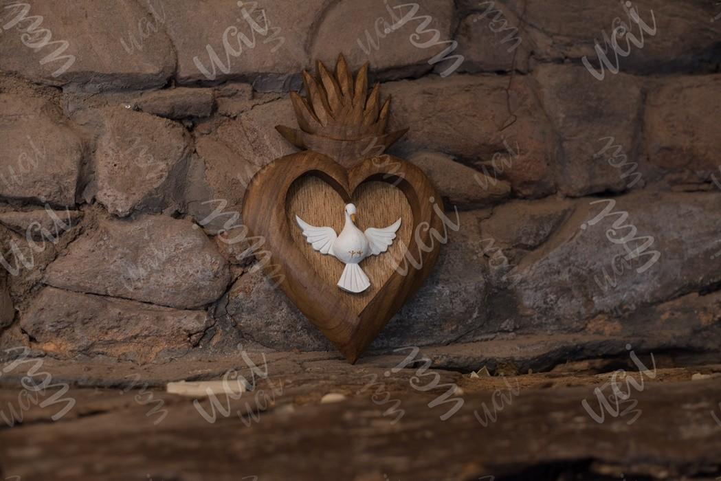Divino espírito santo resplendor de coração encerado rustico artesanal de madeira