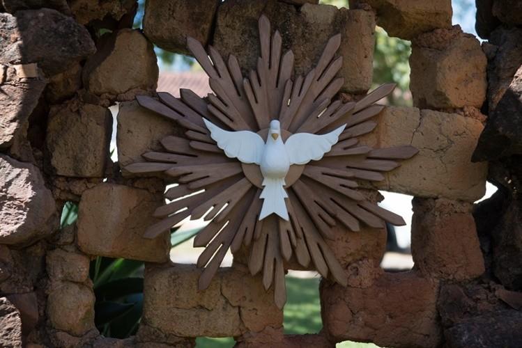 Divino espírito santo resplendor encerado 60cm rústico artesanal