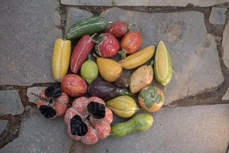 Frutas de madeira variadas unidade