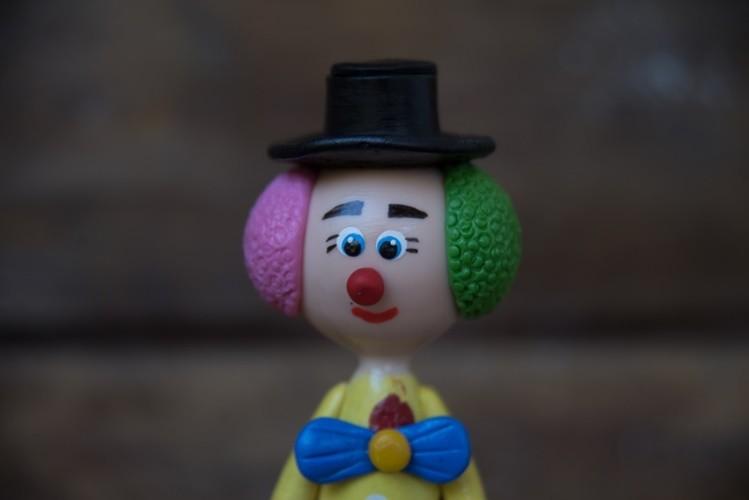 Palhaço colorido chapeu em cabaça rustico artesanal