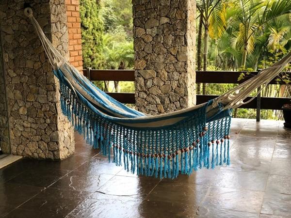Rede de Crochê - Listrada de azul com Babado Azul em Bolinha