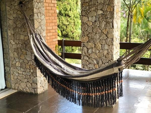 Rede de Crochê - Listrada de cinza com Babado cinza em Bolinha