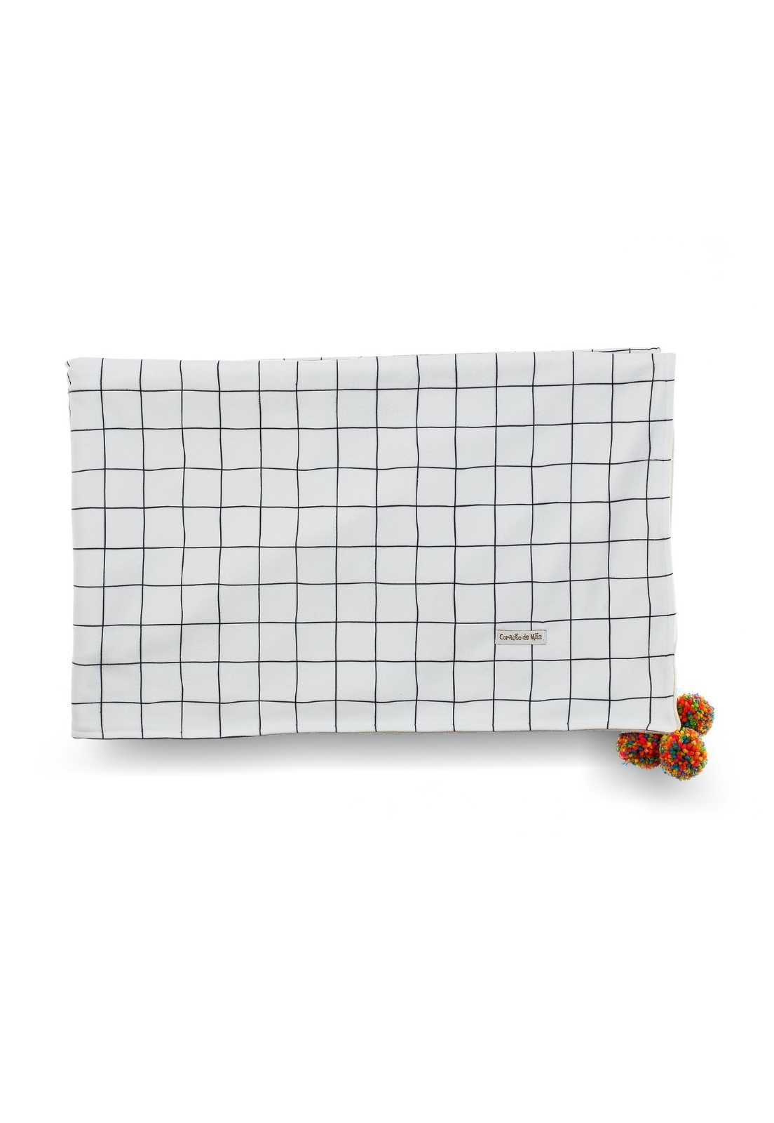 Manta Microsoft com pom-pom - Xadrez Branco e Preto