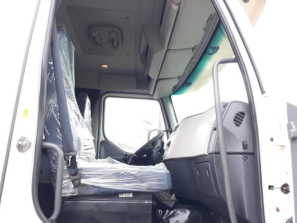 Volvo VM 330 8x2
