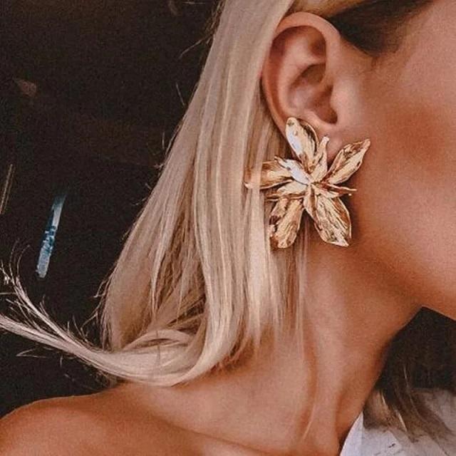 Brinco Feminino Floral Dourado