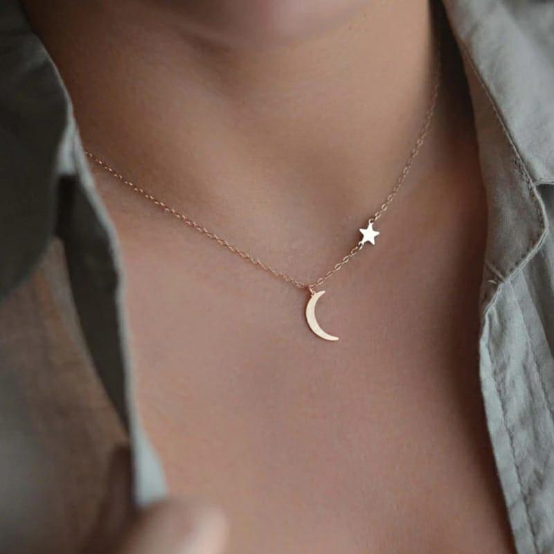 Colar Feminino Pingente Lua e Estrela  Dourado