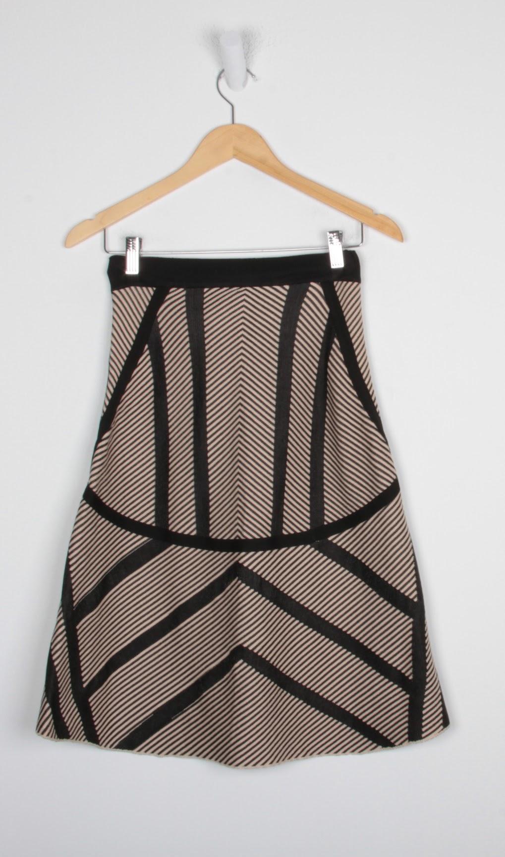 Saia Curta  Tricot - Espaço Fashion - P