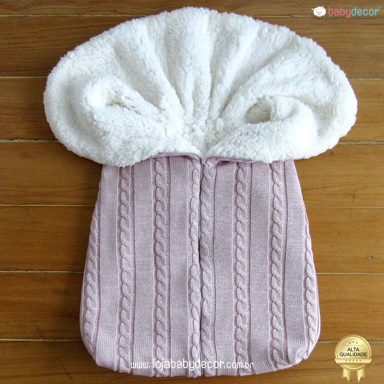 Porta bebê ou saco de dormir de tricô rosa e creme