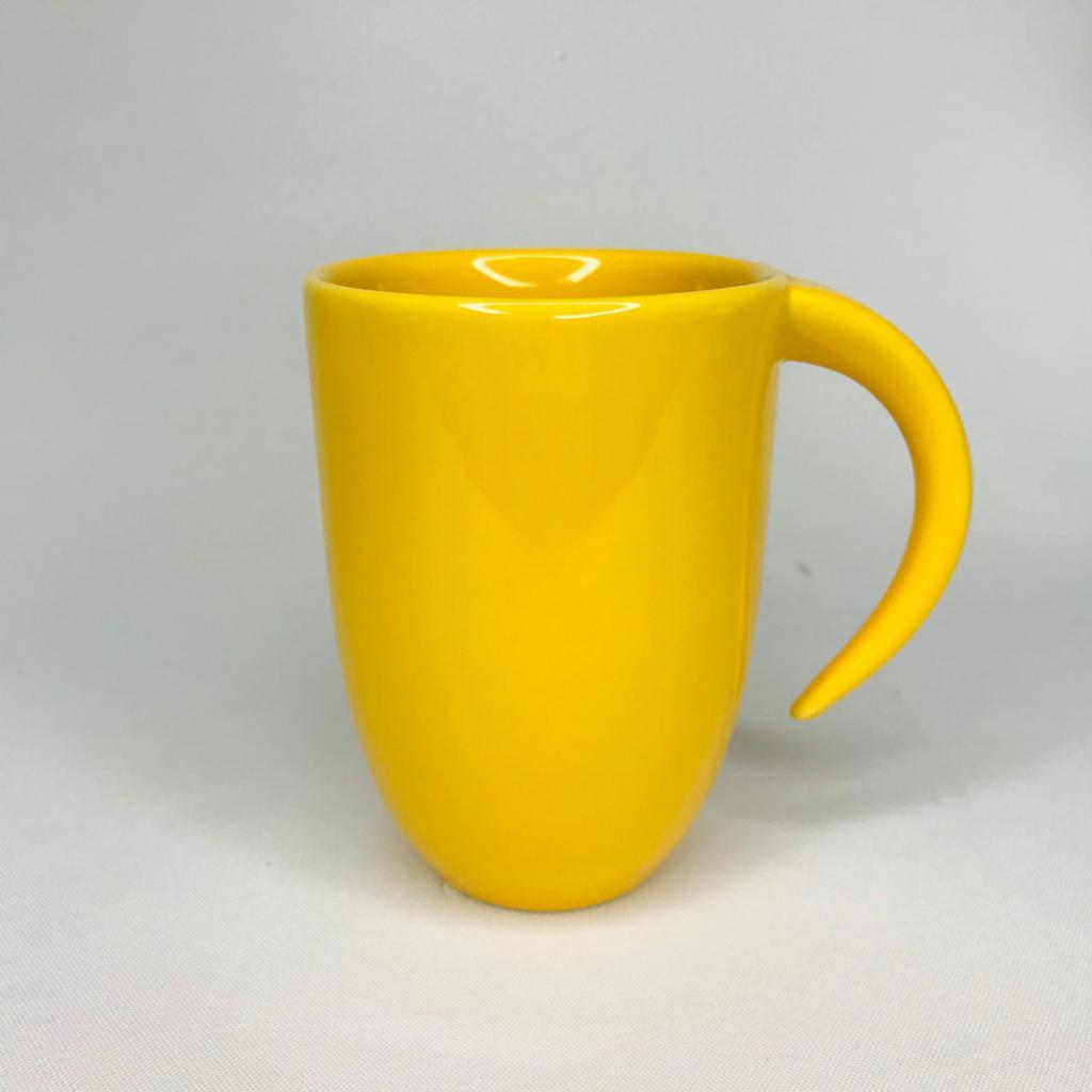 Caneca Amarela Emoji Espantado