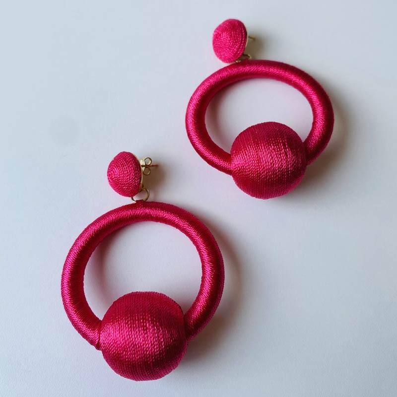 Brinco Argola Pingente de Seda Pink