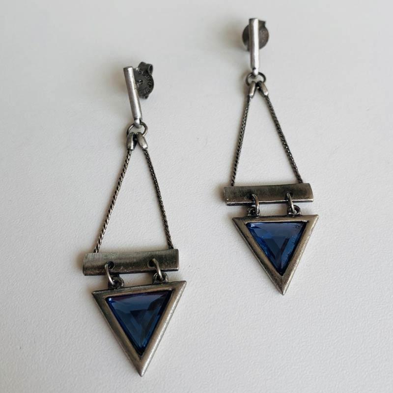 Brinco Feminino de Corrente Triângulo Pedra Azul Prata Envelhecida