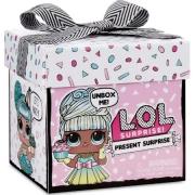 Boneca LOL Surprise Present 8948 Candide