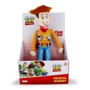 Pelúcia Woody Toy Story 30cm com Som Alimentação por 2 baterias AG13 Multilaser