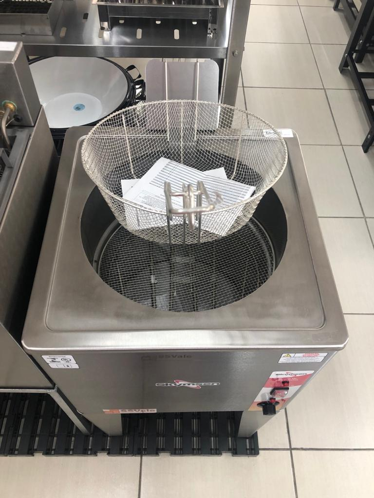 Fritadeira Elétrico Água E Óleo Inox FRP24 - Skymsen