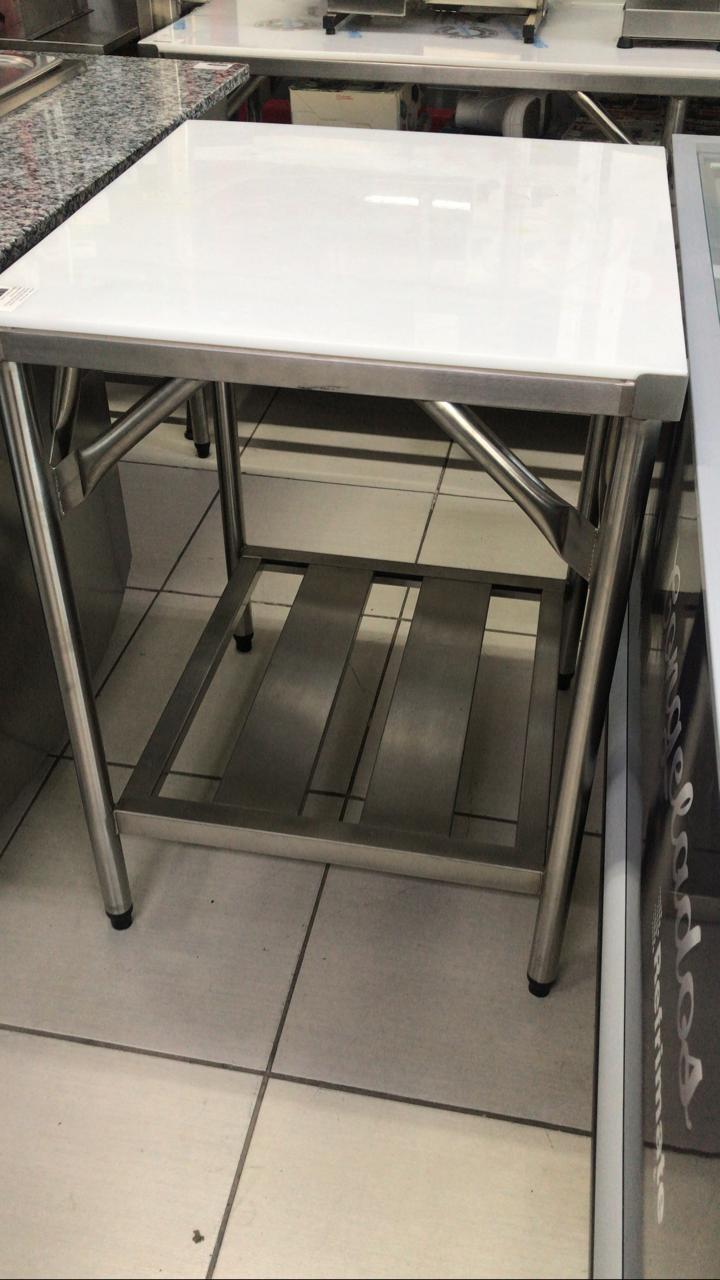 Mesa Inox com Polietileno 700x650mm - Fritomaq