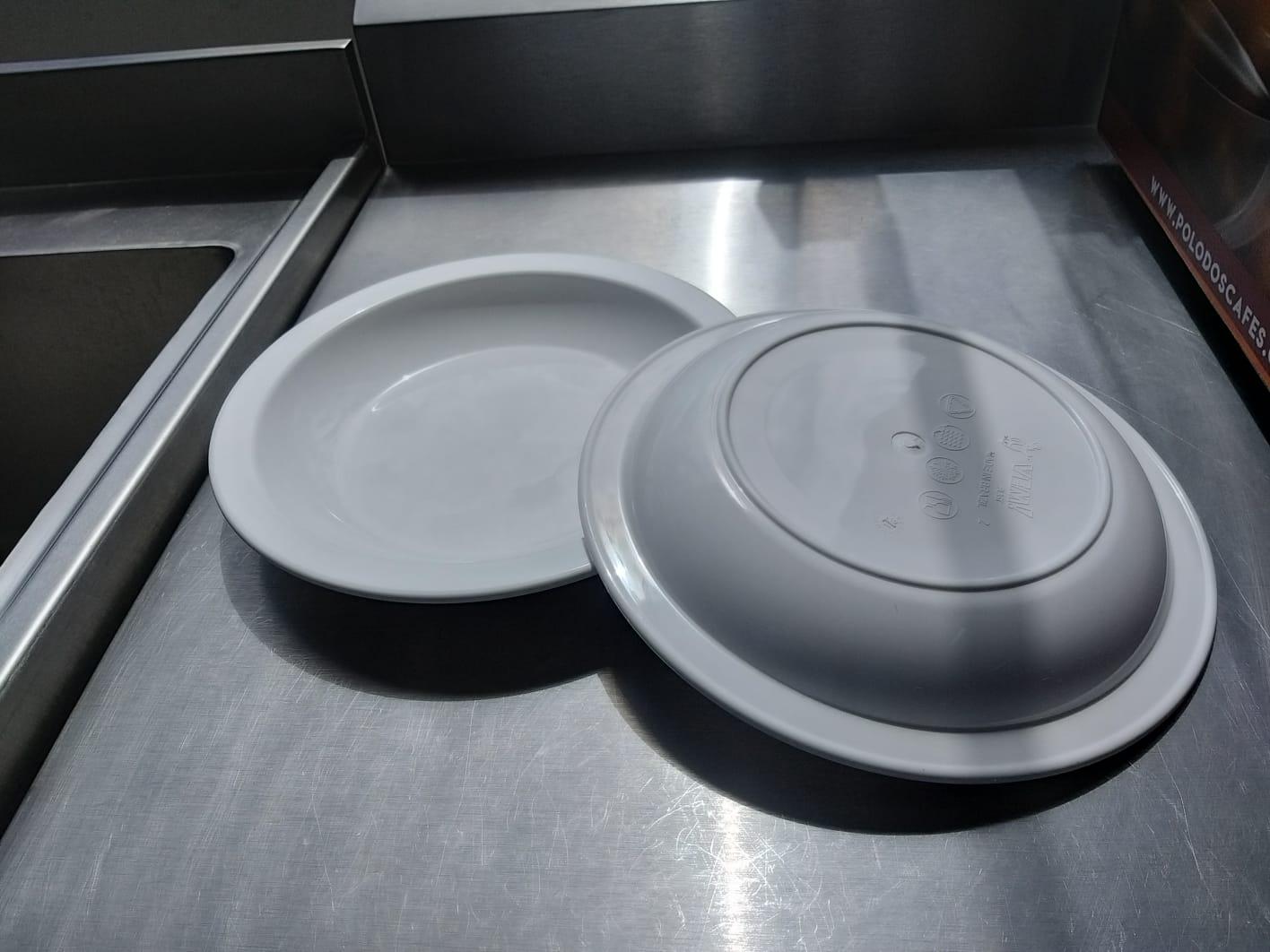 Prato Elegance Fundo Redondo 22cm Branco Ciaxa com 24 Unidades - Vem plast