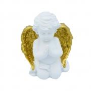 Anjo em resina branca com asas douradas