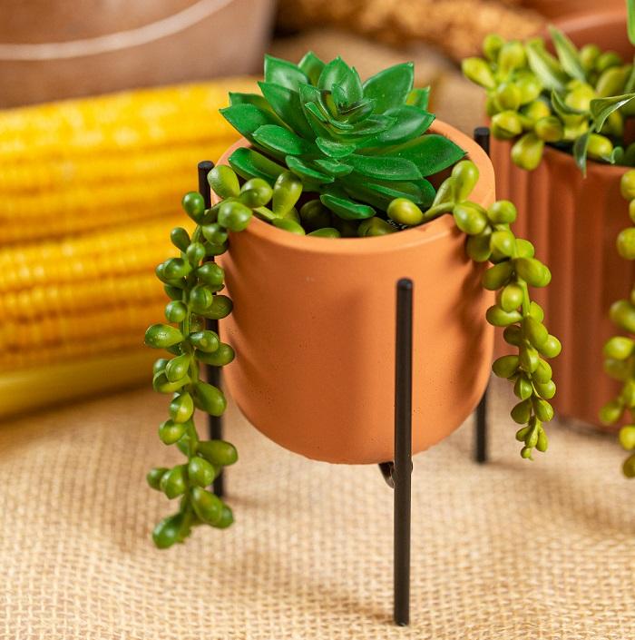 Cachepot terracota com suporte 8 cm